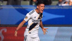 Uriel Antuna celebra un gol con LA Galaxy