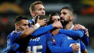 Jugadores de Sevilla festejan un gol ante el Dudelange