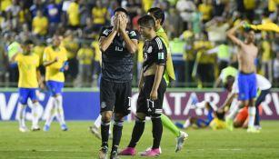 Jugadores de México lamentan la derrota ante Brasil