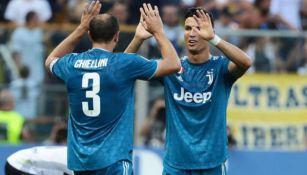 Cristiano y Chiellini festejan una anotación
