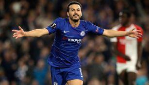 Pedro celebra una anotación con Chelsea