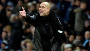 Guardiola lanza un grito en un juego del Man City