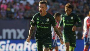 Lozano celebra una anotación contra San Luis