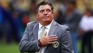 Piojo Herrera en partido con América