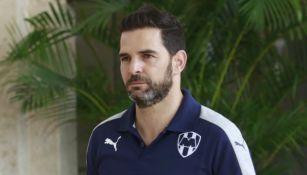 Duilio Davino dirigiendo a Monterrey