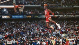 Michael Jordan durante un partido con Chicago Bulls
