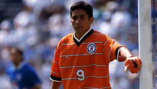 Jorge Campos como portero de Cruz Azul