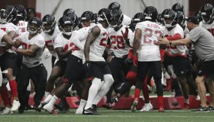 Falcons en entrenamiento
