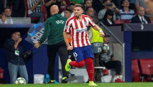 Héctor Herrera en partido con el Atlético