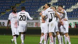 Jugadores del AC Milan celebrando un gol