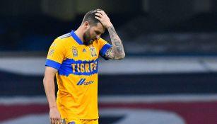 André-Pierre Gignac se lamenta en partido con Tigres