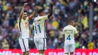 Oribe y compañía celebran el gol contra Necaxa