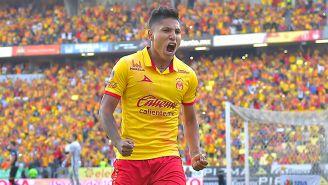 Raúl Ruidíaz festeja gol con Monarcas