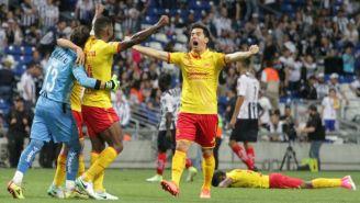 Jugadores de Morelia celebran su permanencia en Primera
