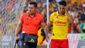 Raúl Ruidíaz sale preocupado del terreno de juego tras lesión