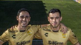 Carlos y Fausto Pinto posan para la lente de RÉCORD