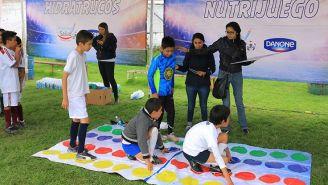 Niños participan en dinámica durante programa 'Campeones de la Salud'