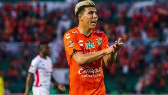 Quick Mendoza aplaude en un partido de Chiapas