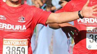 Runners estallan de emoción durante una edición de la carrera