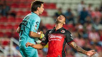 Juan Lucero se lamenta después de fallar frente al arquero