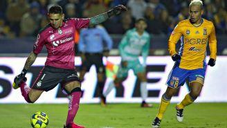 Orozco y Zelarayán disputan un juego en el Clausura 2017