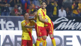Los jugadores de Morelia celebrando el tanto del empate frente a Santos