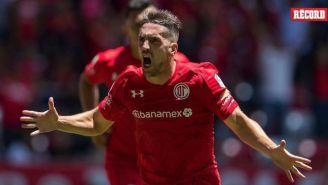 Hauche festeja un gol con el Toluca en el juego contra Atlas