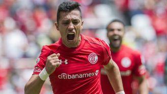Fernando Uribe festeja gol contra Querétaro