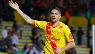 Diego Valdés celebra su segundo gol frente a Xolos