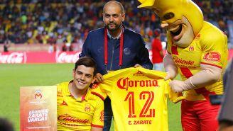 Eduardo Zárate tras ser homenajeado