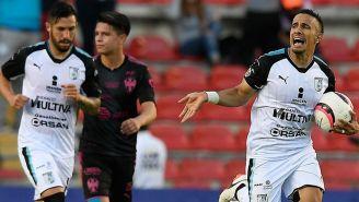 Sanvezzo celebra el gol del empate de Gallos