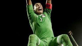 Essam El-Hadary festeja el pase del Egipto al Mundial