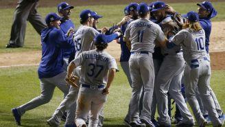 Los jugadores de Dodgers celebran el Campeonato de la Liga Nacional al vencer a Cubs