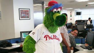 El Phillie Fanático, en su llegada a nuestra sede
