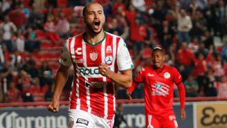 Carlos González festeja un gol