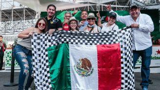 Familia que se dio cita en el Autódromo Hermanos Rodríguez