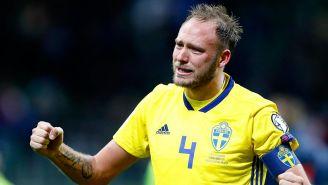 Granqvist no contuvo el llanto tras clasificar al Mundial