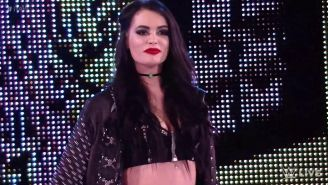 Momento en que Paige regresa a RAW