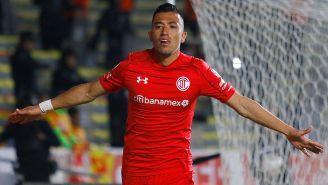 Fernando Uribe celebra gol contra Monarcas