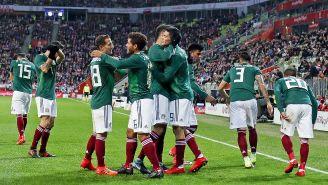 México celebra en partido contra Polonia