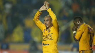 Arevalo en celebración de gol con Tigres
