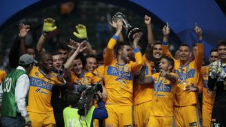 Gignac levanta el trofeo de la Liga MX junto a Tigres