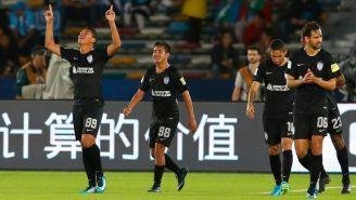 Roberto de la Rosa celebra gol frente Al Jazira