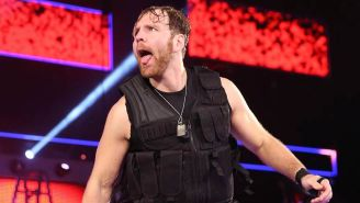 Dean Ambrose, antes de ingresar al ring con The Shield