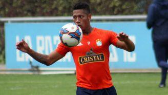 Ray Sandoval, durante un entrenamiento del Sporting Cristal