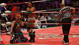 Texano Jr disfruta de la victoria en el ring