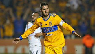 Gignac festeja un gol con Trigres frente a América