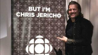 Chris Jericho posa para la fotografía