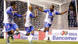 Brayan Angulo festeja su gol frente a Tigres