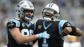 Cam Newton festeja touchdown con Carolina Panthers
